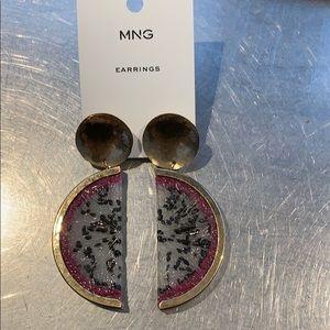 🎁NWT Mango earring